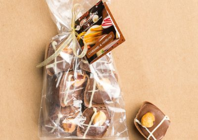 Truffle-bag-Caramel-and-Hazelnut