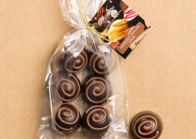 Truffle-bag-Hazelnut-Praline-Dark